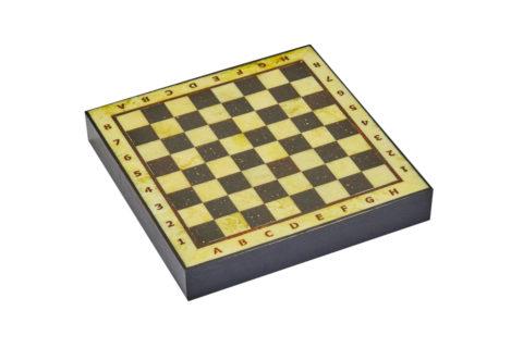 Шахматная коробка с доской малая (дуб) 25*25 -yantar18