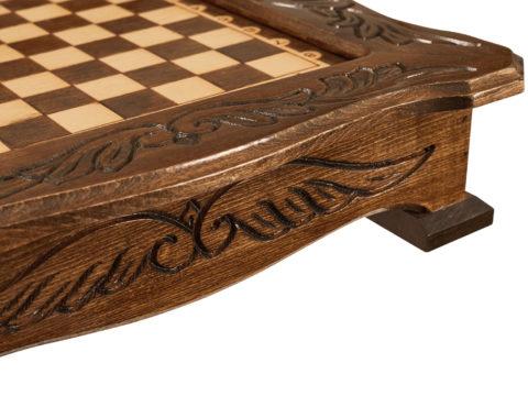 Шахматы резные в ларце 40